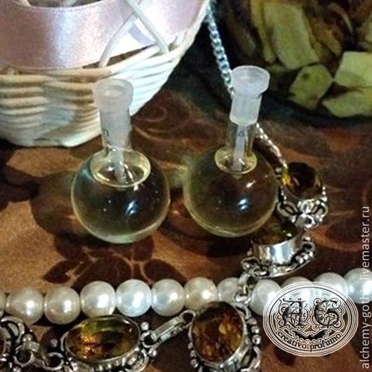 """Натуральные духи ручной работы. Ярмарка Мастеров - ручная работа. Купить """" Rugiada lunare """" духи натуральные. Handmade."""