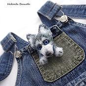 Brooches handmade. Livemaster - original item Knitted brooch - a husky puppy, the dog - symbol of 2018. Handmade.