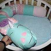 Бортики в кроватку ручной работы. Ярмарка Мастеров - ручная работа Бортик валик, можно использовать как подушку для беременных. Handmade.