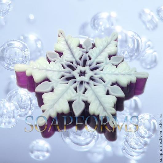 Силиконовая форма для мыла `Снежинка - 8` (На фото снежинка выполненная в мыле)