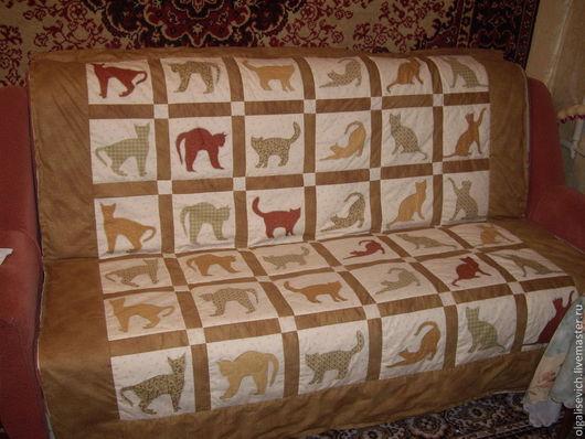 Легкое лоскутное одеяло из х/б ткани для пэчворка. Послужит прекрасным подарком для ребенка или для любителей кошек.