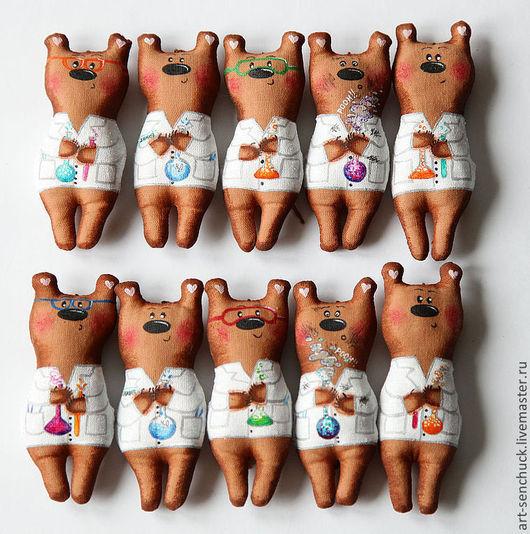 """Персональные подарки ручной работы. Ярмарка Мастеров - ручная работа. Купить """"Медведи-химики"""". Handmade. Медвежонок, игрушка на елку"""
