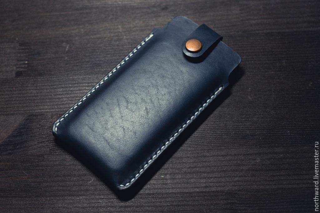 Футляр из кожи для телефона
