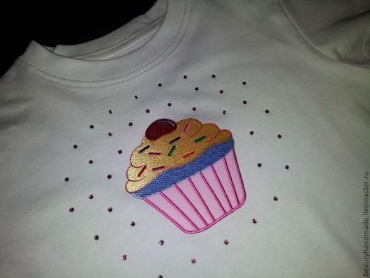 """Одежда для девочек, ручной работы. Ярмарка Мастеров - ручная работа. Купить Детская футболка """"Sweet Cupcake"""". Handmade. Белый, аппликации"""