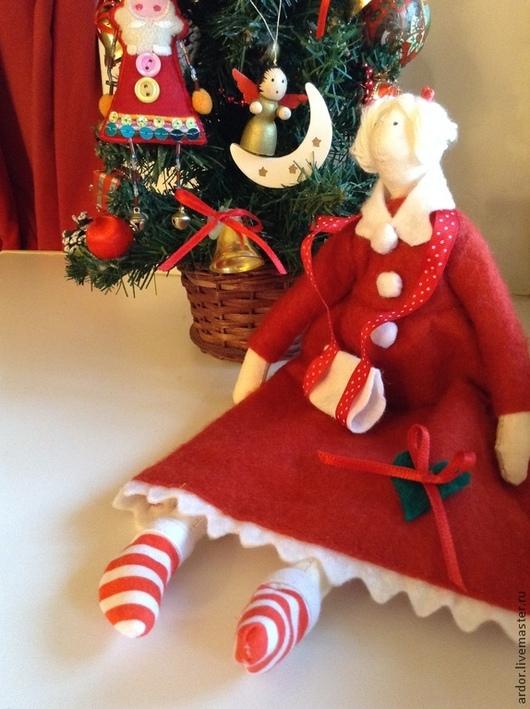 Куклы Тильды ручной работы. Ярмарка Мастеров - ручная работа. Купить Новогодняя дама Тильда. Handmade. Ярко-красный
