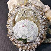 Украшения handmade. Livemaster - original item Pendant:with lacquer miniature Royal white peony painting on stone. Handmade.