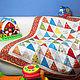 """Пледы и одеяла ручной работы. Ярмарка Мастеров - ручная работа. Купить Детское лоскутное одеяло """"Веселые треугольники"""". Handmade. для малышки"""