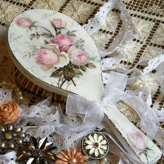Расческа декупаж шебби шик розы, подарок женщине, подарок девушке, купить в москве расчески ручной работы, красивая расческа в подарок, расческа массажная, щетка для волос