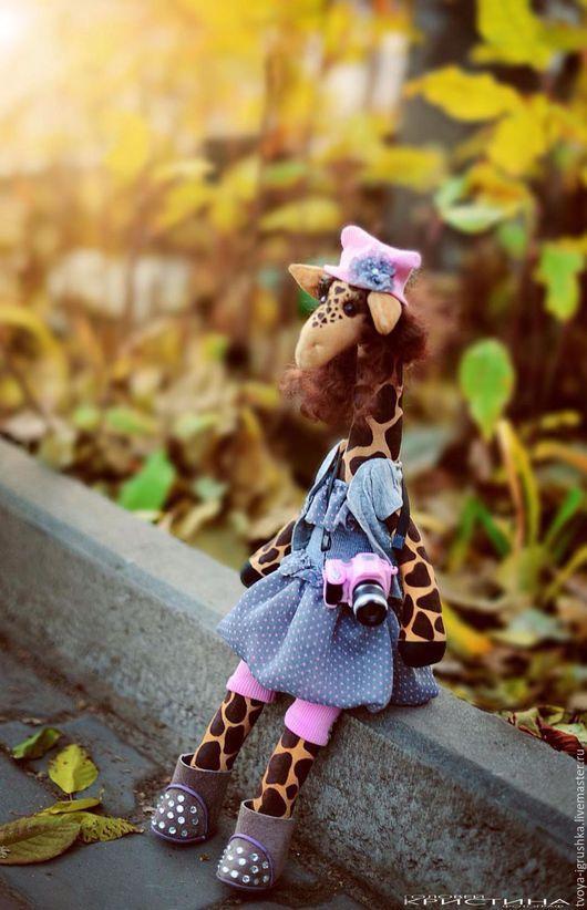 Игрушки животные, ручной работы. Ярмарка Мастеров - ручная работа. Купить Жирафка -фотограф Крис. Handmade. Розовый, фотограф