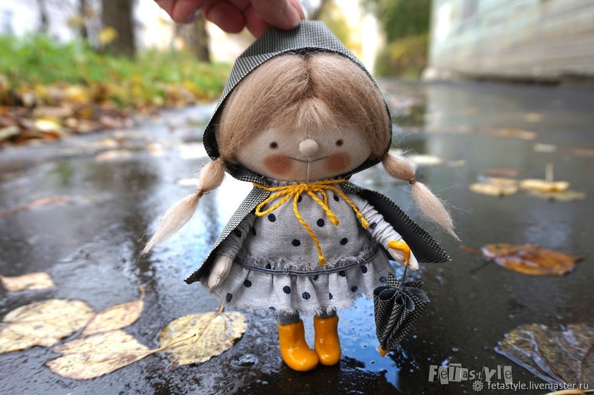 Прогулка под дождем Кукла интерьерная Осенний подарок, Куклы и пупсы, Великий Новгород,  Фото №1