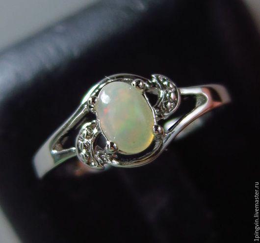 Серебряное кольцо с опалом Эфиопии