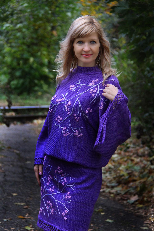 Платье с вышивкой сакуры