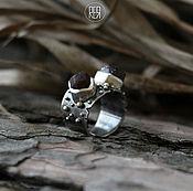 Украшения ручной работы. Ярмарка Мастеров - ручная работа Рогатое кольцо с натуральным диким гранатом. Handmade.
