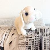Куклы и игрушки ручной работы. Ярмарка Мастеров - ручная работа Валяная игрушка Белый Кролик. Handmade.