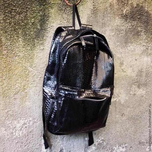 Рюкзаки ручной работы. Ярмарка Мастеров - ручная работа. Купить Рюкзак Vbags из натуральной кожи питона. Handmade. Черный