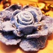 Украшения ручной работы. Ярмарка Мастеров - ручная работа Цветок из шерсти Голубое Небо. Handmade.