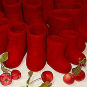 Куклы и игрушки ручной работы. Ярмарка Мастеров - ручная работа Красные валенки для кукол и игрушек 2015. Handmade.
