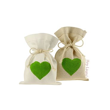 Свадебный салон ручной работы. Ярмарка Мастеров - ручная работа 10х15см. 10шт. Мешочки льняные с зеленым сердцем. Handmade.