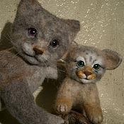 Куклы и игрушки ручной работы. Ярмарка Мастеров - ручная работа Игровая композиция Мама с котенком Манулы. Handmade.