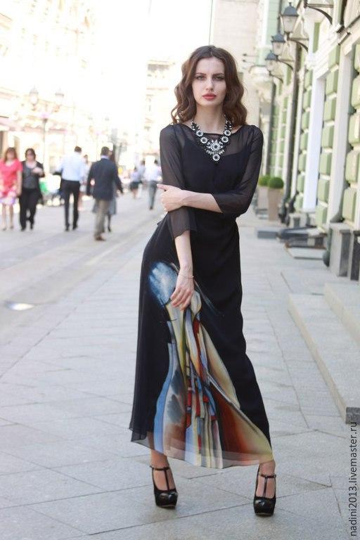 Шёлковое платье ` Освобождение` выполнено в технике холодный батик на натуральном шёлке. Платье двойное. Внутренне платье на брительках из крепдешина