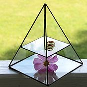 Свадебный салон handmade. Livemaster - original item Jewelry box . Glass pyramid. Display. Handmade.