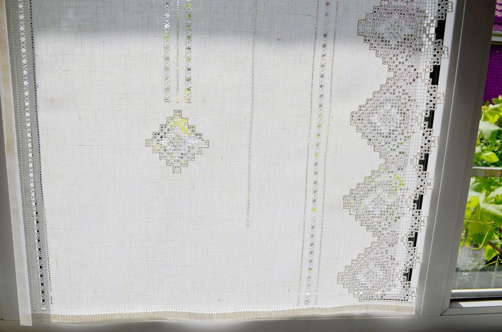 Льняные занавески с вышивкой