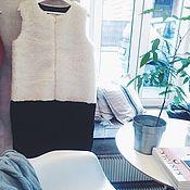 Одежда ручной работы. Ярмарка Мастеров - ручная работа SALE Комбинированный жилет из молочной и черной овчины. Handmade.