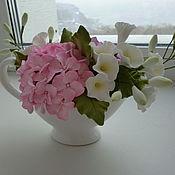 Цветы и флористика ручной работы. Ярмарка Мастеров - ручная работа Гортензия и вьюнок в белом молочнике. Handmade.