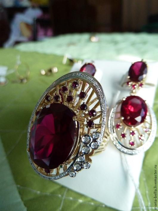 Комплекты украшений ручной работы. Ярмарка Мастеров - ручная работа. Купить Рубиновый Торт. Серьги , кольцо с рубинами, бриллиантами в золоте. Handmade.