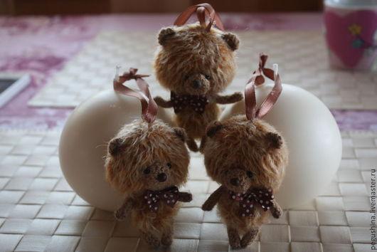 """Игрушки животные, ручной работы. Ярмарка Мастеров - ручная работа. Купить Вязаные медвежата """"Шоколадки"""". Handmade. Мишки вязаные, бусины"""
