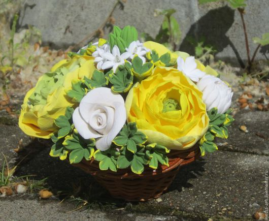 Интерьерные композиции ручной работы. Ярмарка Мастеров - ручная работа. Купить Цветы из полимерной глины в корзинке. Handmade. Цветы