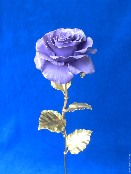 Фиолетовая кованая роза из латуни от Кузницы Чудес