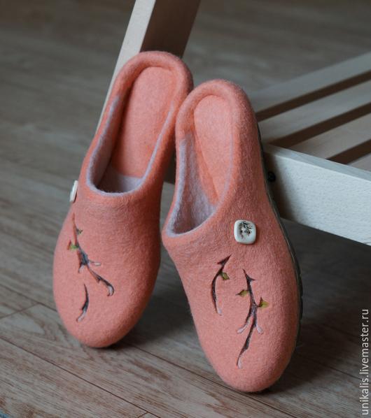 """Обувь ручной работы. Ярмарка Мастеров - ручная работа. Купить Валяные тапочки """"Ожидание"""".. Handmade. Кремовый, обувь для улицы"""
