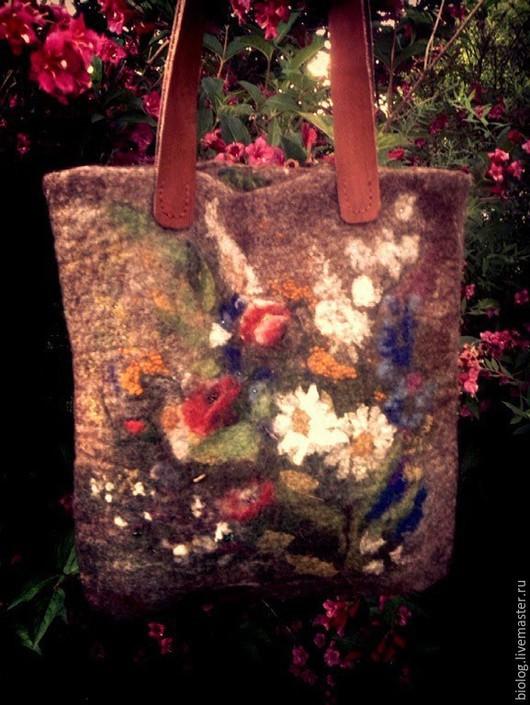 """Женские сумки ручной работы. Ярмарка Мастеров - ручная работа. Купить сумка """"Душа земли"""" авторская сумка ручной работы с полевыми  цветами. Handmade."""