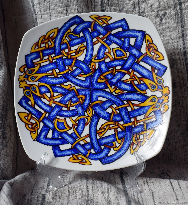 Кельтское блюдо со змеями, Блюдо, Москва,  Фото №1