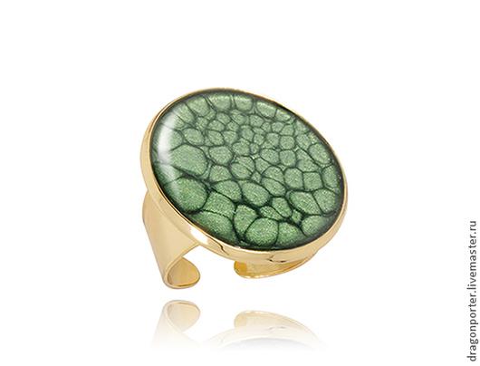 """Кольца ручной работы. Ярмарка Мастеров - ручная работа. Купить Большое  кольцо """" Зеленое в золоте"""". Handmade. Тёмно-зелёный"""
