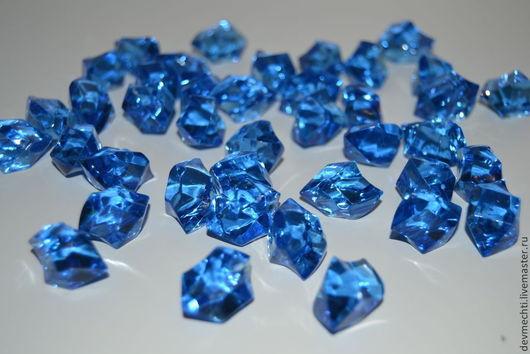 Голубой лед Размер льдинки - 23Х15 мм  Набор из 40 шт. - 165 рублей