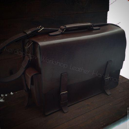 Мужские сумки ручной работы. Ярмарка Мастеров - ручная работа. Купить Большая наплечная сумка 89. Handmade. Коричневый