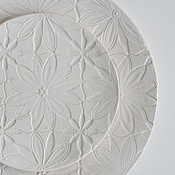 Посуда ручной работы. Ярмарка Мастеров - ручная работа белая тарелка десертная с фактурой кружева цветы ромашки. Handmade.