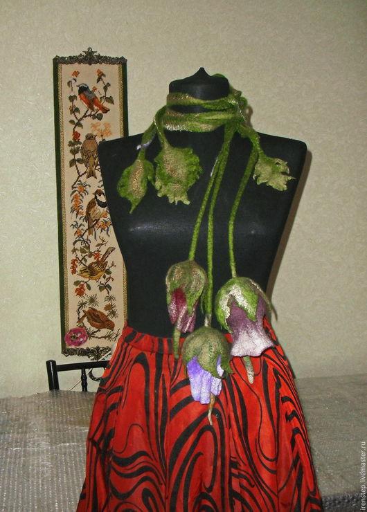 """Шарфы и шарфики ручной работы. Ярмарка Мастеров - ручная работа. Купить Шарф-колье """"Колокольчики"""". Handmade. Тёмно-зелёный, неклюш"""