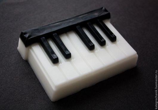 """Мыло ручной работы. Ярмарка Мастеров - ручная работа. Купить Мыло """"Форте&Пиано"""". Handmade. Чёрно-белый, подарок музыканту"""