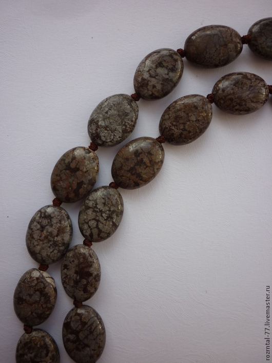 Яшма коричневая овал 18х13х6 мм