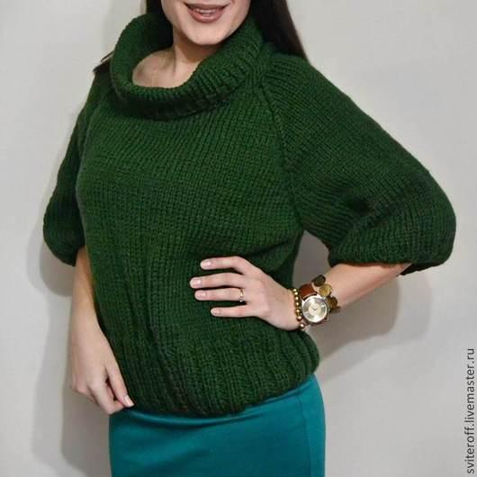 Вязаный зеленый теплый свитер пончо ручной работы `Мирт` от Sviteroff