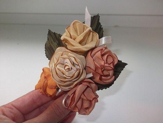 украшение из 5 роз