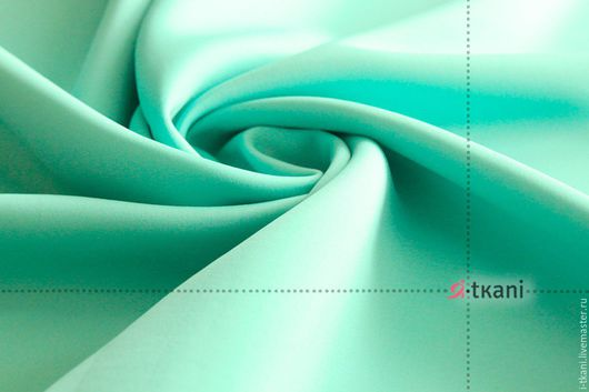 NE34-400 Неопрен. Цвет `ментол`. 97%полиэстер, 3% спандекс. Китай. Плотность 300г/м2 (450г/мп). Ширина 140см. Толщина 2мм.