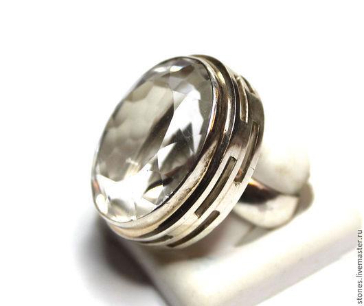 №2. Овал. Размер кольца-19.8 Размер камня-27х24мм Высота над пальчиком-14мм