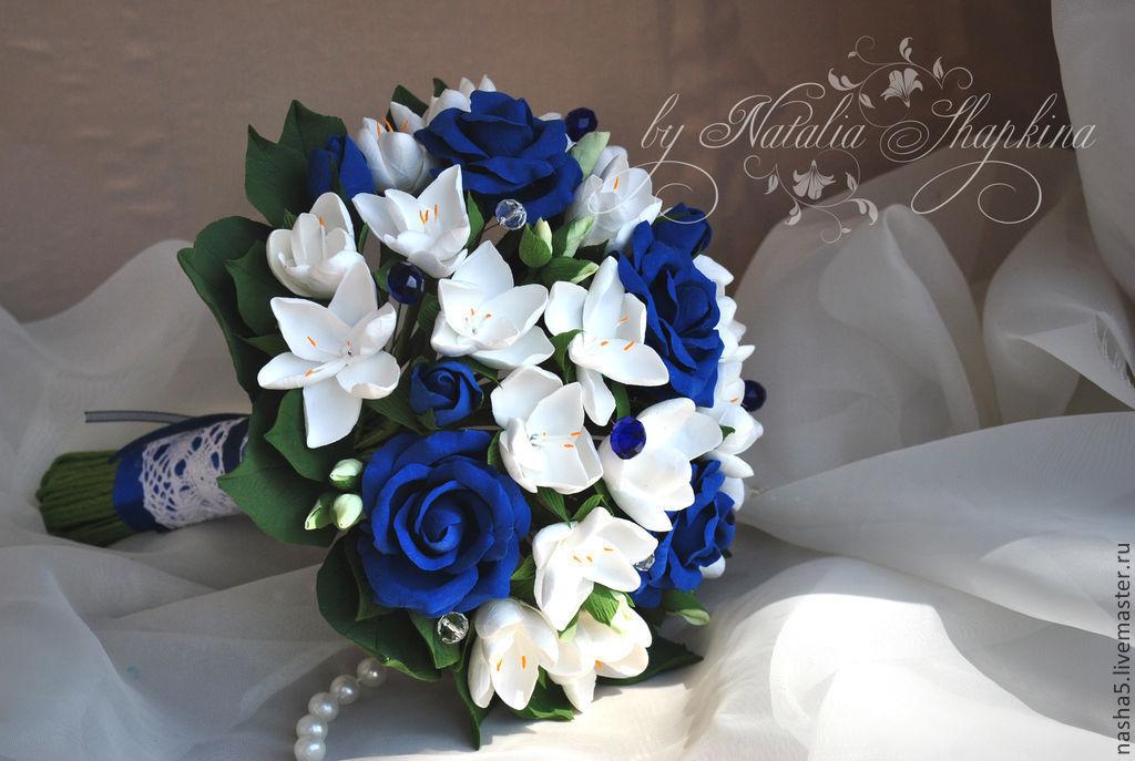Свадебные букеты в бело синем цвете