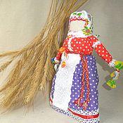Народные сувениры ручной работы. Ярмарка Мастеров - ручная работа Утешница - народная, игровая кукла. Handmade.