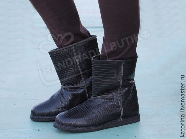 Winter boots leather lizard black. In stock 41-42. Height 26 cm.