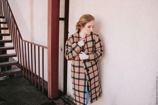 Верхняя одежда ручной работы. Ярмарка Мастеров - ручная работа. Купить Демисезонное (зимнее) пальто, бежевое в чёрно-бордовую клетку. Handmade.